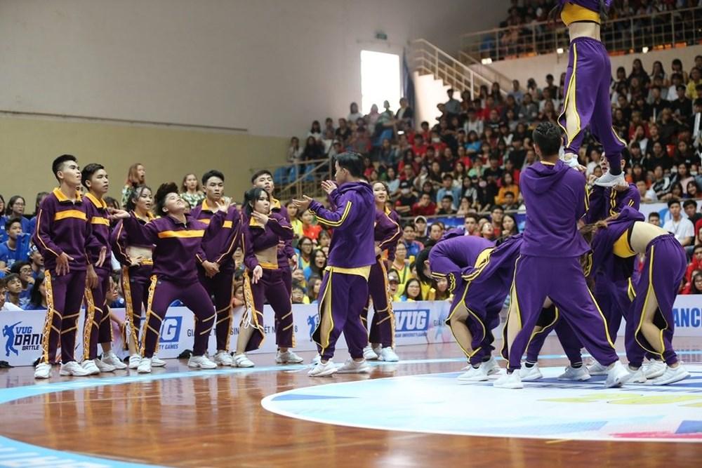 """Các đội Nhảy đối kháng """"cháy"""" hết mình trên sàn đấu"""