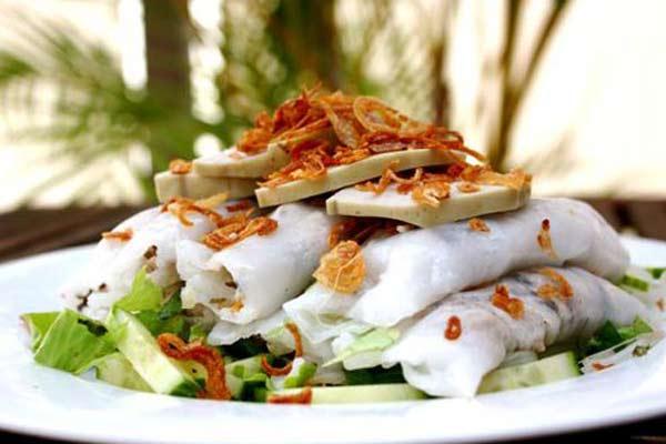 Bánh cuốn nóng: Món ngon đường phố Hà Nội