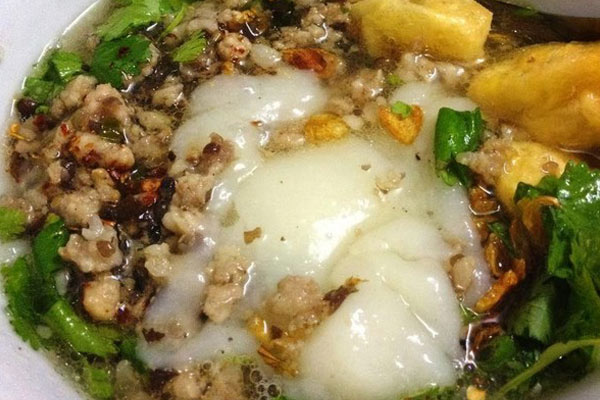 Bánh đúc nóng: Món ngon Hà Nội mùa Đông gợi nhớ tuổi thơ