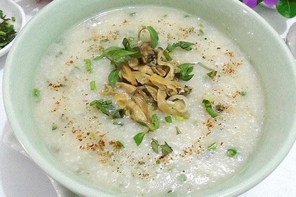 Cháo trai: Món ngon Hà Nội mùa đông phổ biến mọi phố phường