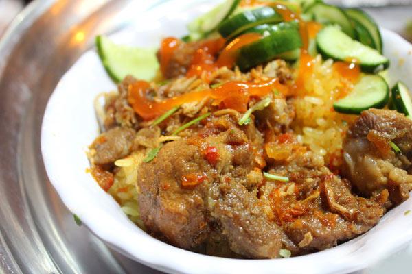 Xôi sườn cay một trong những món xôi ngon ở Hà Nội