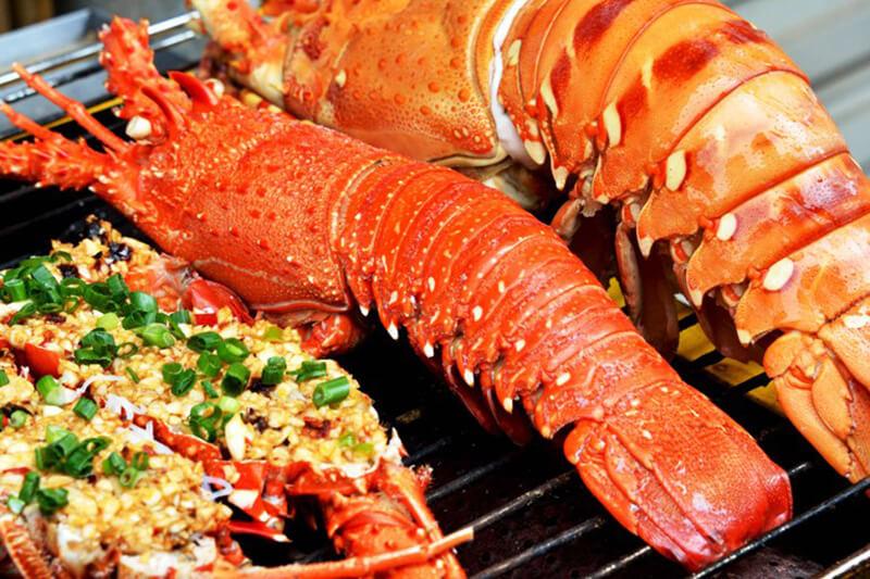 Tôm hùm nướng với mức giá cực hấp dẫn tại Nha Trang